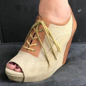 Gianni Bono Leather Peep-Toe Wedge